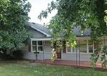 Foreclosed Home in Elizabethton 37643 231 W DOE AVE - Property ID: 1663115