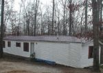 Foreclosed Home in Bon Aqua 37025 18006 WOODS RD - Property ID: 1708499