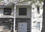 Foreclosed Home in Coram 11727 3 DENVER CT - Property ID: 2814172