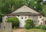Foreclosed Home in Riverhead 11901 836 OSBORN AVE - Property ID: 2818592