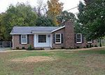 Foreclosed Home in Clarksville 37042 1021 FOXMOOR DR - Property ID: 2874771