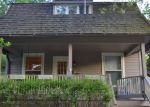 Foreclosed Home in Woodstock 60098 144 LAWRENCE AVE - Property ID: 2924002