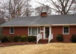 Foreclosed Home in Williamston 27892 411 WOODLAWN DR - Property ID: 3164670