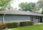 Foreclosed Home in Shorewood 60404 103 SUNRISE DR - Property ID: 3261979