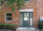 Foreclosed Home in Mchenry 60050 4408 W SHAMROCK LN APT 2G - Property ID: 3272021