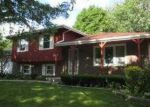 Foreclosed Home in Shorewood 60404 506 EDGEBROOK DR - Property ID: 3319308