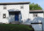 Foreclosed Home in Newton 50208 813 W 4TH ST N - Property ID: 3319644