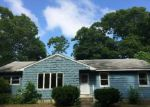 Foreclosed Home in Central Islip 11722 795 FERNDALE BLVD - Property ID: 3342096