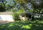 Foreclosed Home in Lake Jackson 77566 536 SYCAMORE ST - Property ID: 3351499