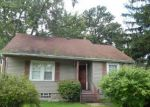 Foreclosed Home in Bedford 44146 7468 OAKHILL RD - Property ID: 3364054