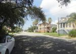 Foreclosed Home in Galveston 77550 1111 17TH ST - Property ID: 3365105
