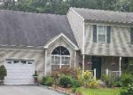Foreclosed Home in Coram 11727 26 PAULS PATH - Property ID: 3366020