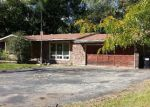 Foreclosed Home in Mchenry 60051 2408 COUNTRY LN - Property ID: 3378751