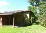 Foreclosed Home in Clute 77531 310 FOUR OAKS ST - Property ID: 3380061