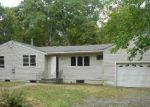 Foreclosed Home in Coram 11727 111 WESTFIELD RD - Property ID: 3386168