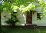 Foreclosed Home in Barberton 44203 2951 WAYNE ST - Property ID: 3388144