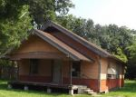 Foreclosed Home in Beaumont 77707 1575 AVALON ST - Property ID: 3390983