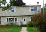 Foreclosed Home in Central Islip 11722 20 E CHERRY ST - Property ID: 3398518