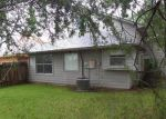 Foreclosed Home in Lake Jackson 77566 105 AVOCADO ST - Property ID: 3402107