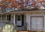 Foreclosed Home in Shirley 11967 35 HOLLYWOOD DR - Property ID: 3457499