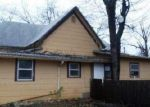 Foreclosed Home in Cleburne 76033 518 W HEARD ST - Property ID: 3491378