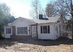 Foreclosed Home in Spartanburg 29301 124 E VICTORIA RD - Property ID: 3520331