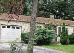 Foreclosed Home in Streamwood 60107 11 E PINE ST - Property ID: 3528499