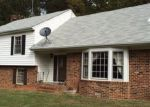 Foreclosed Home in Palmyra 22963 855 COURTHOUSE RD - Property ID: 3529075