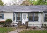 Foreclosed Home in Central Islip 11722 4 E END AVE - Property ID: 3619245