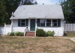 Foreclosed Home in Central Islip 11722 27 E LOCUST ST - Property ID: 3619246