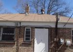 Foreclosed Home in Chicago 60617 10100 S VAN VLISSINGEN RD - Property ID: 3626978
