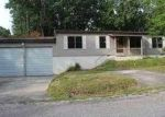 Foreclosed Home in Crossville 38558 14 ROBIN HOOD CT - Property ID: 3688271