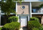 Foreclosed Home in Crystal Lake 60014 981 GOLF COURSE RD APT 1 - Property ID: 3700092