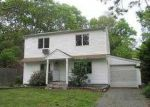 Foreclosed Home in Mastic 11950 95 COVENTRY AVE - Property ID: 3705452