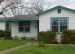 Foreclosed Home in Kerrville 78028 401 N LEWIS AVE - Property ID: 3712374