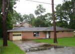 Foreclosed Home in Texas City 77591 8208 ASH RD - Property ID: 3719090