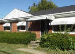Foreclosed Home in Louisville 40219 8711 MOODY RD - Property ID: 3721656
