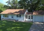 Foreclosed Home in Newton 50208 2252 1ST AVE W - Property ID: 3724531