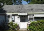 Foreclosed Home in Bay Shore 11706 1409 BROOKLYN BLVD - Property ID: 3730964