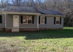 Foreclosed Home in Centerville 37033 2376 E HALEYS CREEK RD - Property ID: 3737470