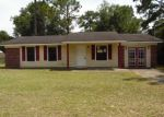 Foreclosed Home in Tallahassee 32305 2773 S SANDALWOOD DR - Property ID: 3770593