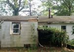 Foreclosed Home in Middle Island 11953 1 PINE RD - Property ID: 3771451