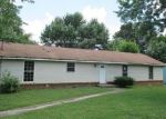 Foreclosed Home in Clarksville 37042 307 MILLS DR - Property ID: 3778102