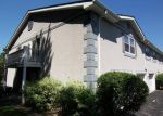 Foreclosed Home in Woodstock 60098 1010 GREENWOOD CIR # 1010 - Property ID: 3800056