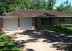Foreclosed Home in Dayton 77535 326 LISA LN - Property ID: 3800160