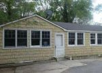 Foreclosed Home in Shirley 11967 12 NORTHERN BLVD - Property ID: 3800303