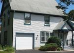 Foreclosed Home in Woodstock 60098 868 VICTORIA DR - Property ID: 3831257