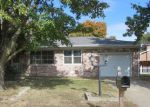 Foreclosed Home in Mount Vernon 47620 401 RIVIERA DR - Property ID: 3874166