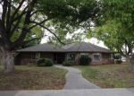 Foreclosed Home in Dinuba 93618 357 N ROBERTS PL - Property ID: 3879060