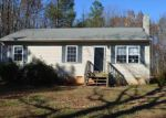 Foreclosed Home in Palmyra 22963 3333 RIDGE RD - Property ID: 3885936